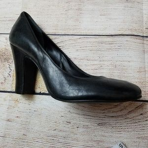 Gianni Bini Black Leather Pumps Chunky 3.5 heel 8